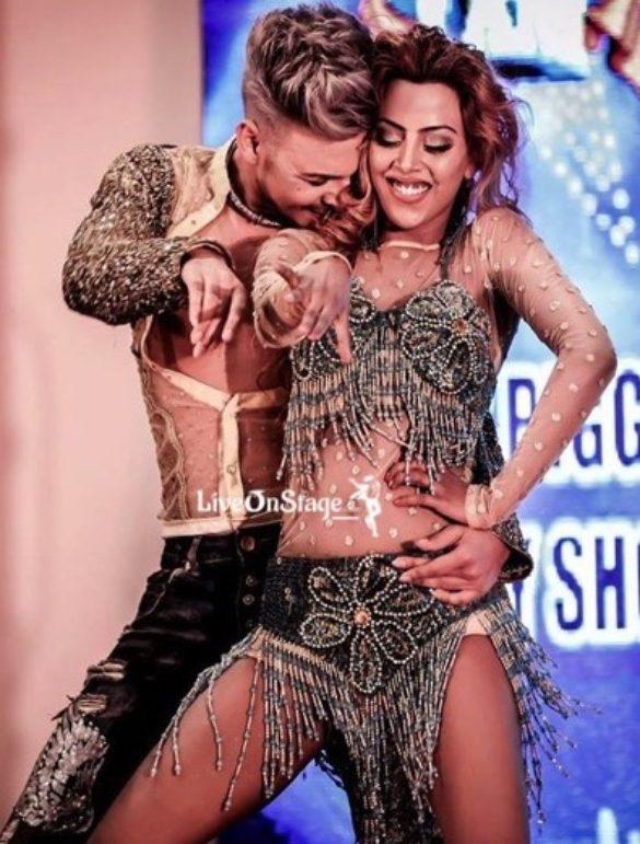 Sexy Dance Duo, Sensuous Dance Duo Erotic Dance Duo, Item Girl, Bollywood Dancers, Television Show Dancers, Music Video, Exotic Dancers